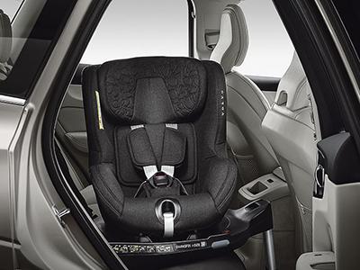Volvo original vridbar och bakåtvänd barnstol i-size
